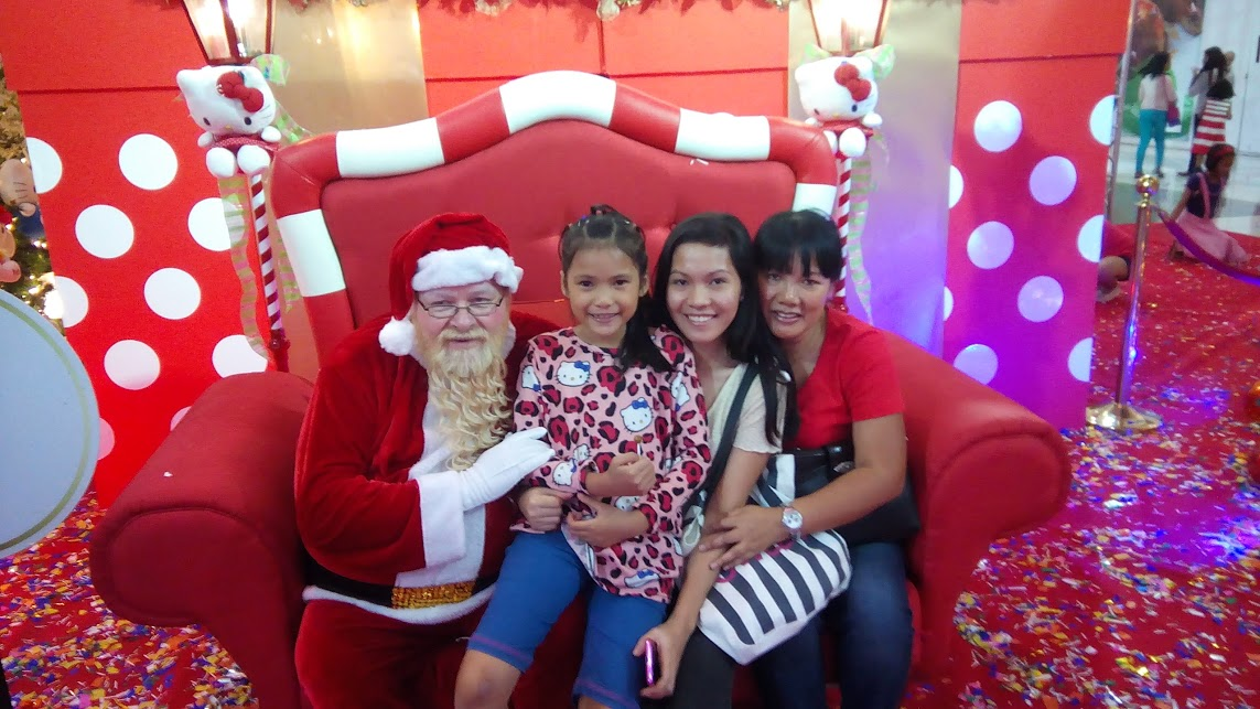 Santa Bob, Feyma, Jean and Sharmaine