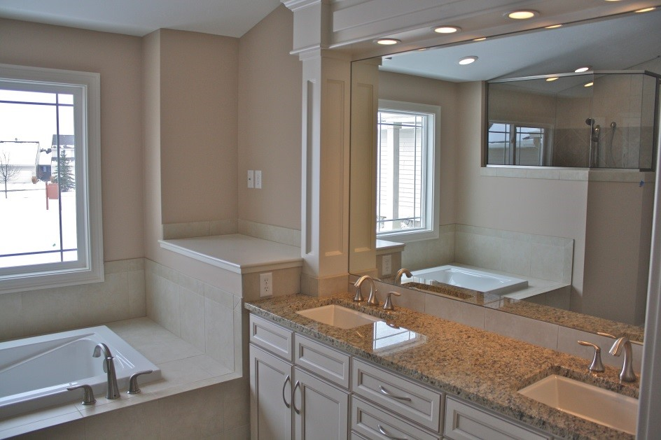 USA style bathroom sink - 36+ Small House Comfort Room Design Pictures