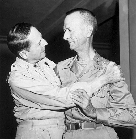 https://liveinthephilippines.com/wp-content/uploads/2016/04/Generals-Wainwright-and-MacArthur.jpg