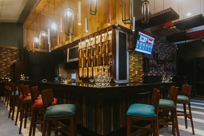 1925 Gastropub the bar.