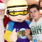 Even the Jollibee mascots came to see Santa