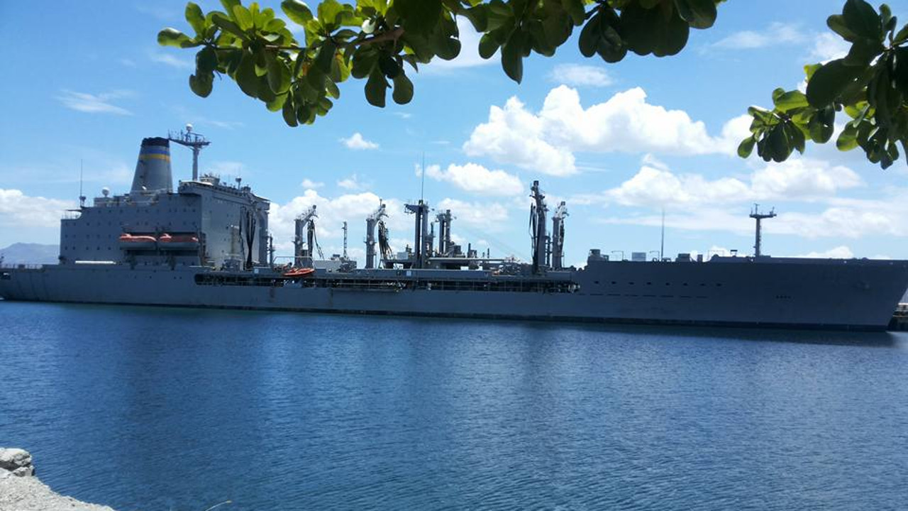 USNS Tippicanoe TAO 199 Subic Fuel Pier